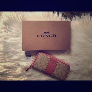 Coach Khaki/Vintage Pink wallet